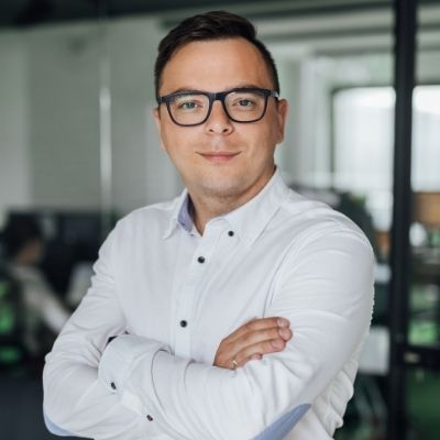 Zarządzanie zespołem w agencji SEO online na przestrzeni lat